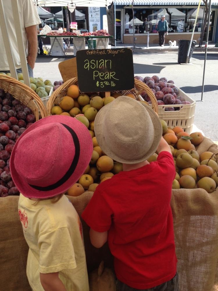 KidsPearsFarmersMarket
